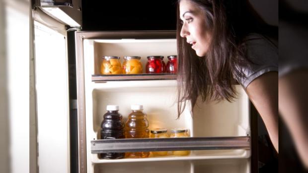 Ночные набеги на холодильник пагубно влияют на психическое здоровье