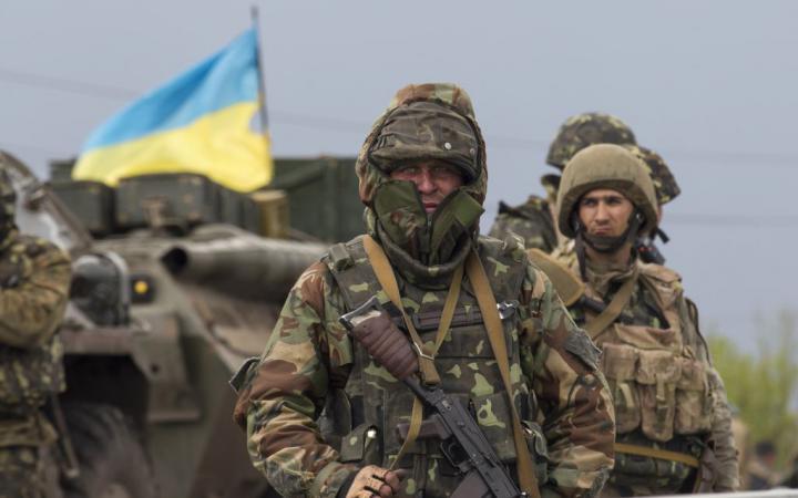 Горячая тема: Украина: Синька зло: бойцы ВСУ совершили ограбление супермаркета