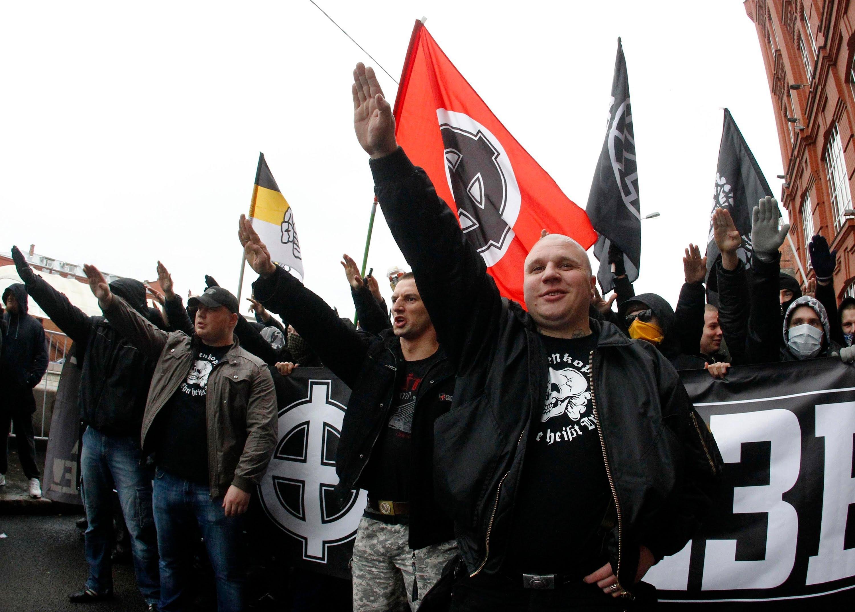 картинки про фашизм на украине заказать календарь логотипом