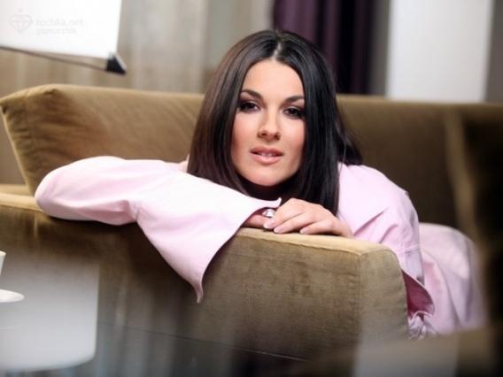 Маша Ефросинина рассказала о том, как ей удалось уговорить Ании Лорак на откровенный рзговор