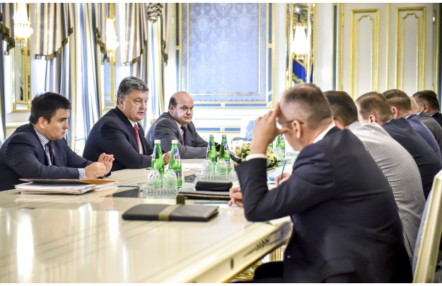 Кучма не видит лучшего формата переговоров по Донбассу, чем минский