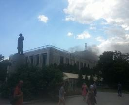 Драмтеатр в Черкассах почти сгорел: зрительный зал выгорел, крыша рухнула, но сцену спасли