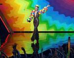 Эпатажная Майли Сайрус десять раз сменила свои безумные наряды во время MTV Music Video 2015