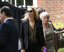 Кейт Мосс, несмотря на измену мужа, продолжает носить обручальное кольцо