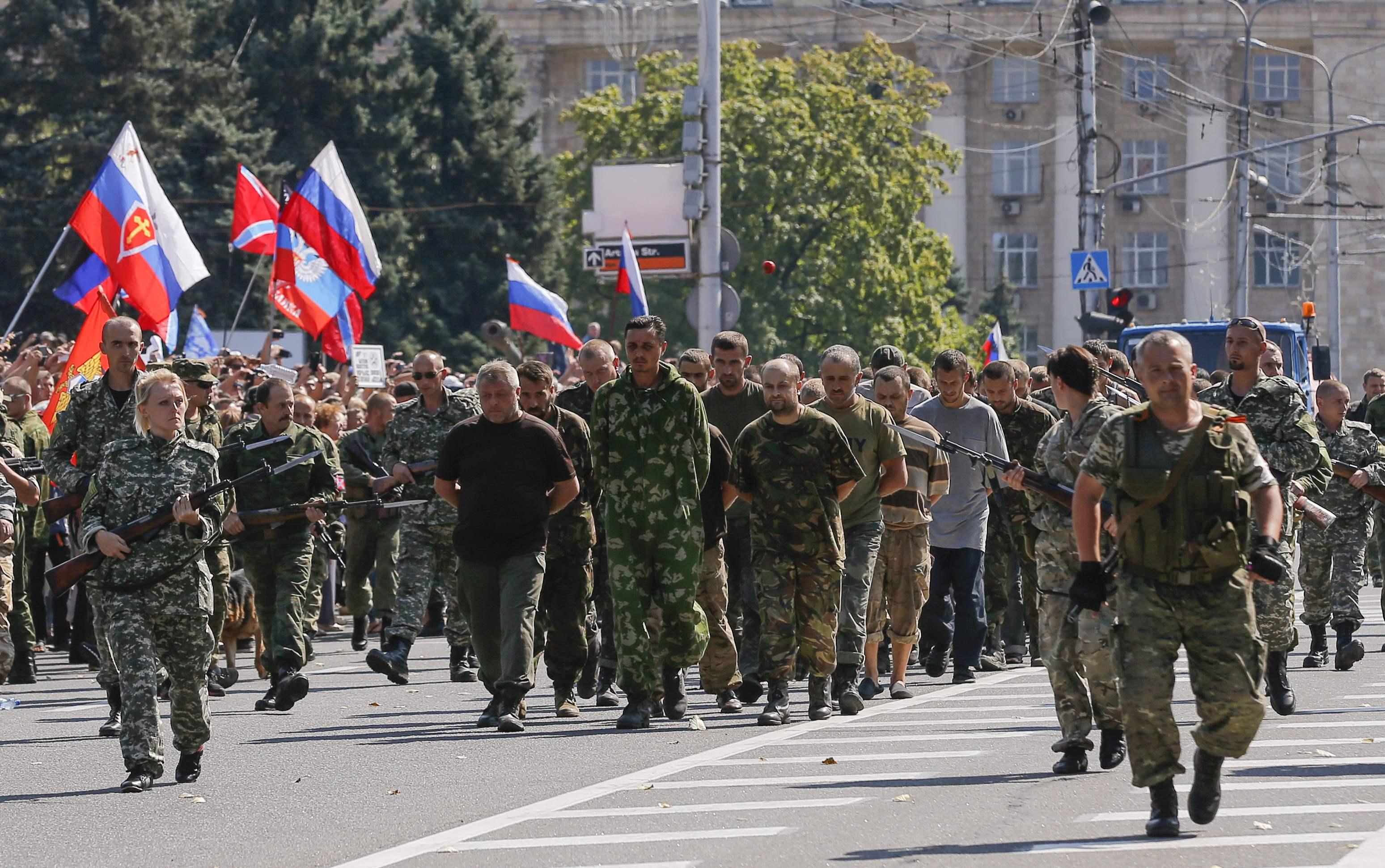 Менше половини переселенців з Донбасу мають постійну роботу, середньомісячний дохід на одну людину становить 2239 гривень, - звіт МОМ - Цензор.НЕТ 1193