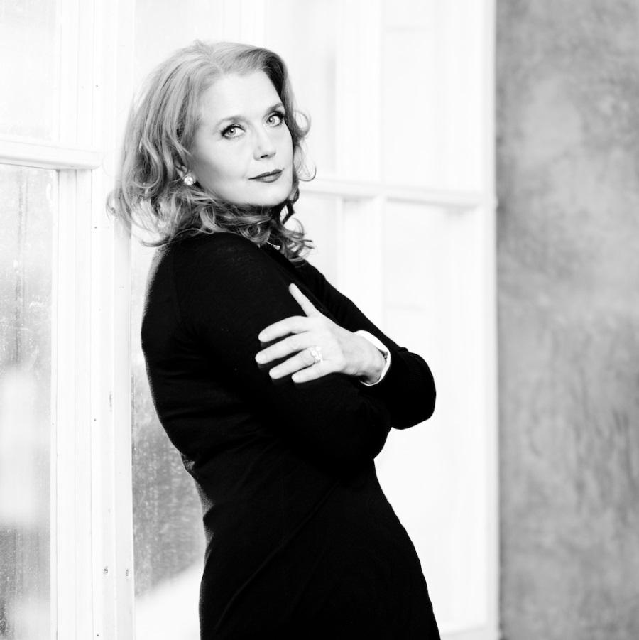 Ирина Алферова отказалась от спектаклей в Украине во избежание провокаций
