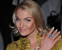 """Анастасия Волочкова показала """"страшный"""" снимок из салона красоты"""