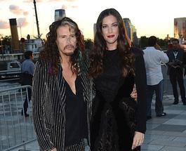 """Лив Тайлер прибыла на показ коллекции Givenchy вместе со своим """"стилягой""""-отцом"""