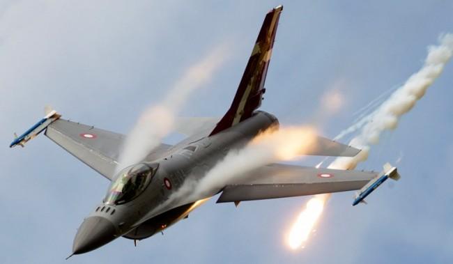 Олланд: авиаудар ВВС Франции в Сирии уничтожил тренировочный лагерь ИГ