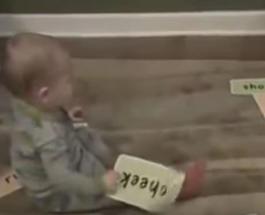 Гениальный ребенок, умеющий читать в 1 год и 9 месяцев