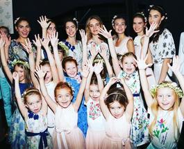 Наталья Водянова вывела на подиум девочку, которая страдает синдромом Дауна