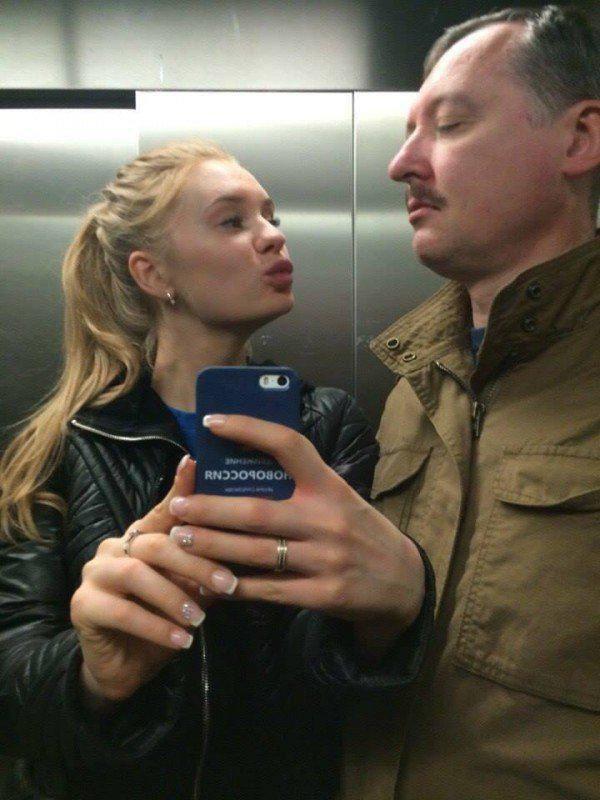 Блондинку в лифте