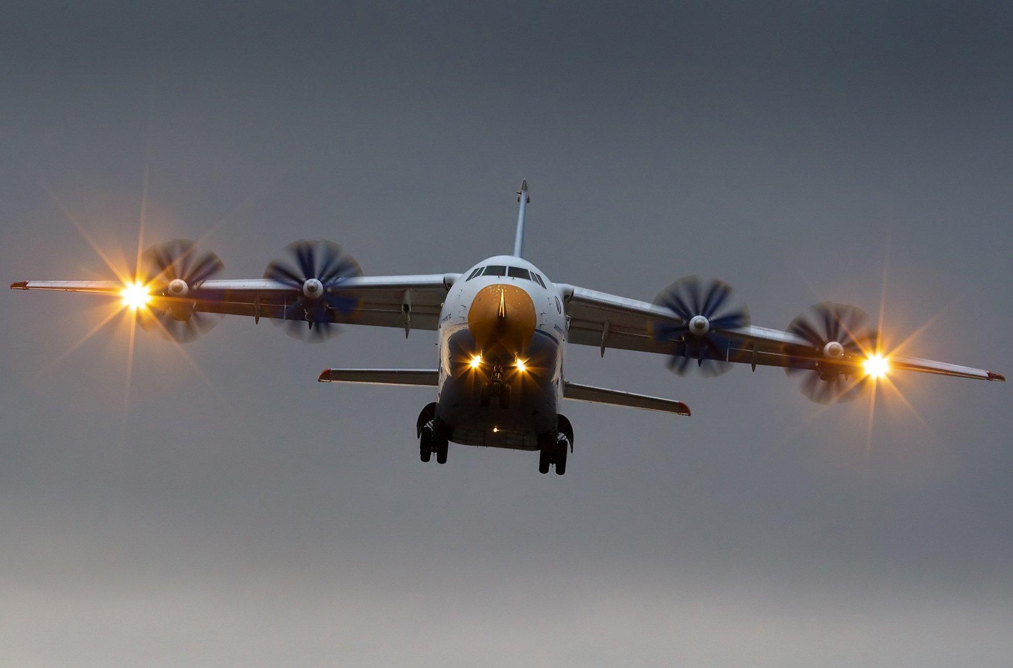 Пивоварский сообщил дату прекращения авиасообщения между Украиной и РФ
