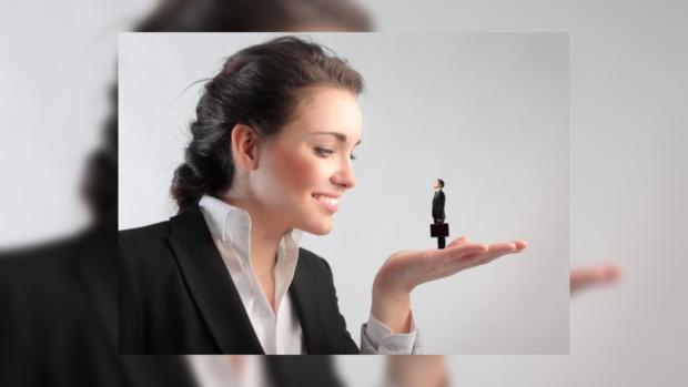 Учёные выяснили: умные женщины отталкивают мужчин