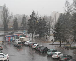 Юг Украины засыпало снегом: синоптики обещают шторм