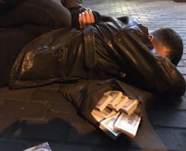 На горячем: на взятке в $150 тыс. задержан зместитель прокурора Подольского района Киева