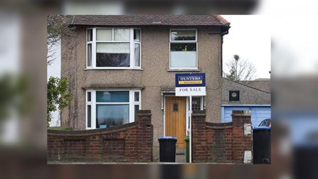 Британка продала дом во время командировки мужа из-за его измены