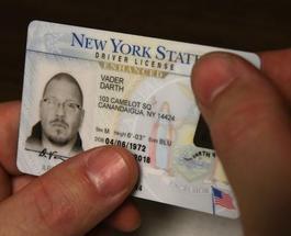"""После выходы новых """"Звездных войн"""" американец Эрик Уэлш официально сменил имя на Дарт Вейдер"""