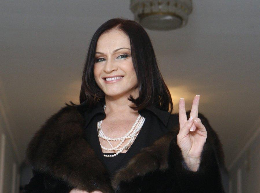 Семья Софии Ротару хочет получить российское