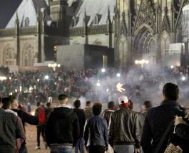 ИноСМИ: рокеры и футбольные фаны в Кельне отомстили арабам за нападения на женщин