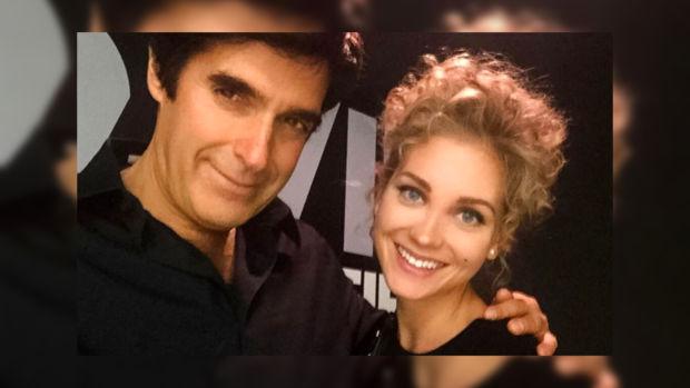 Кристина Асмус опубликовала фото празднования Нового года и своей встречи с Дэвидом Копперфильдом