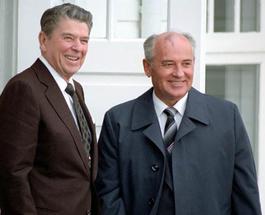 Рональд Рейган и Михаил Горбачев спасут мир от ядерной войны в новой игре