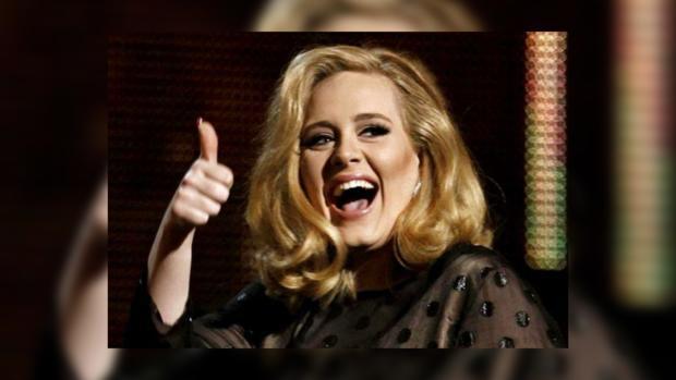 Адель стала самой успешной исполнительницей благодаря своему альбому «25»