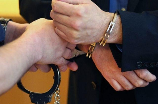 """На Днепропетровщине пойманный на взятке коп попытался застрелиться из """"травмата"""""""