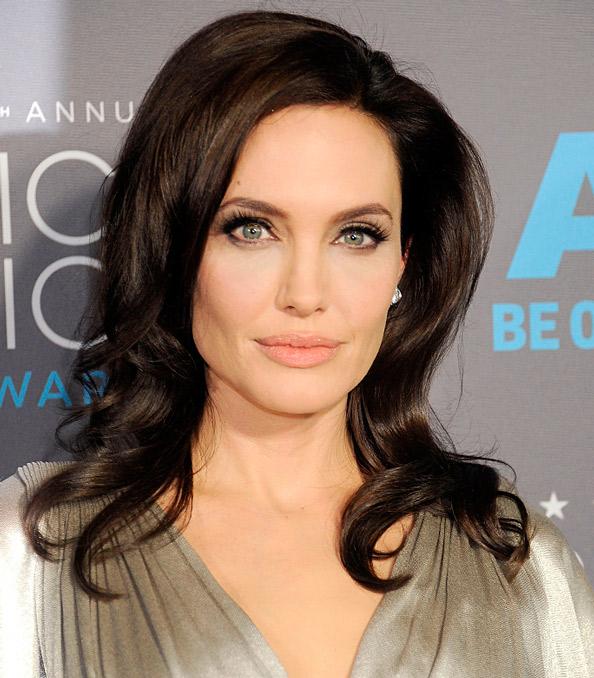 Анджелина Джоли сильно похудела: актриса больна рак