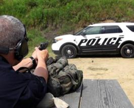 ИноСМИ: полиция США на видео показала, насколько прочны их бронированные патрульные машины