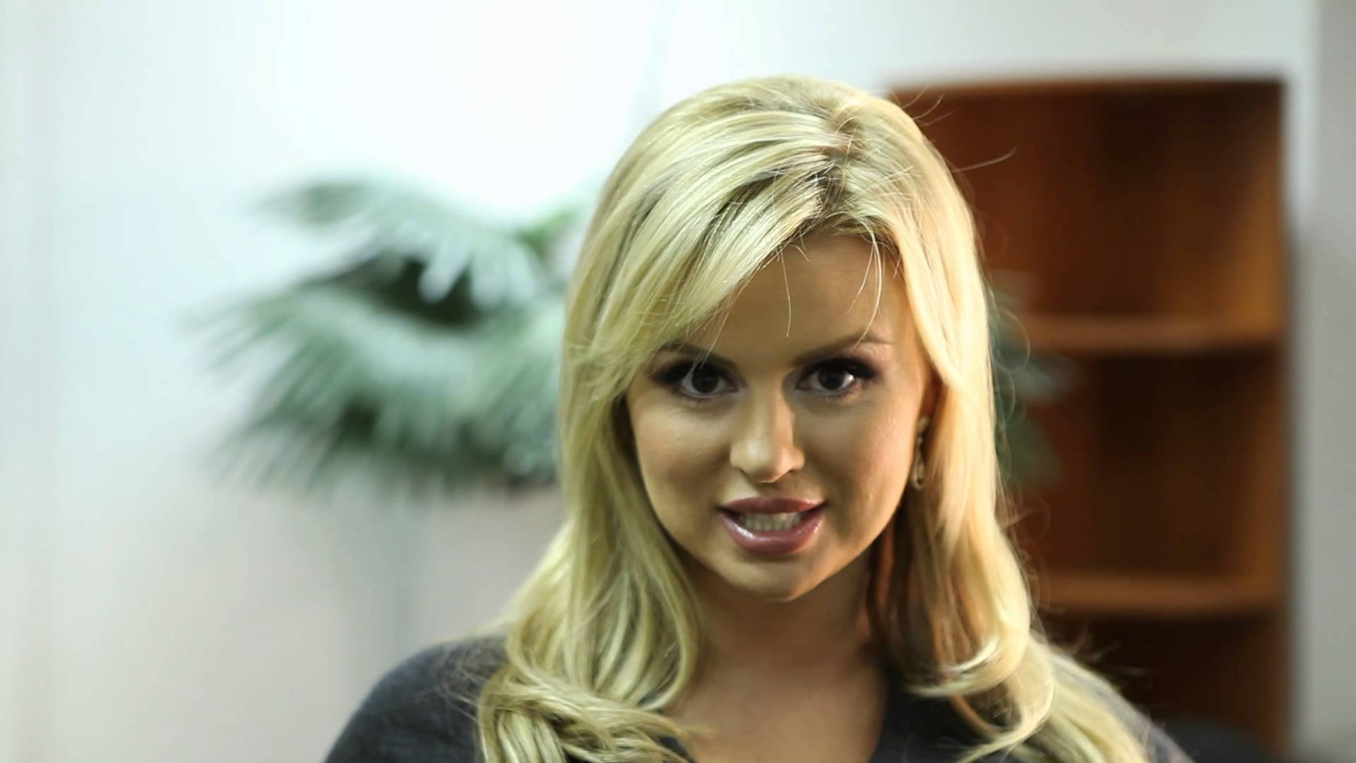 Совершенно голая Анна Семенович и другие знаменитости на Starsru.ru