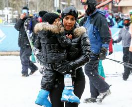 Ким Кардашьян проигнорировала помолвку брата и уехала кататься на лыжах