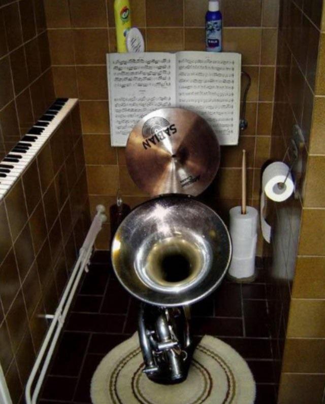 в туалете после клуба-йы1