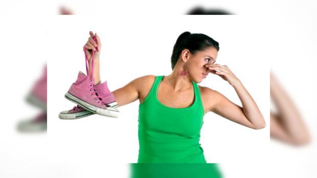 Как избавиться от неприятного запаха в кроссовках в домашних условиях