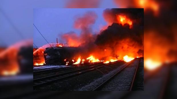 В США столкнулись два грузовых поезда [ Редактировать ]