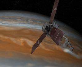 """Зонд """"Юнона"""" передал первый снимок Юпитера и его спутников"""