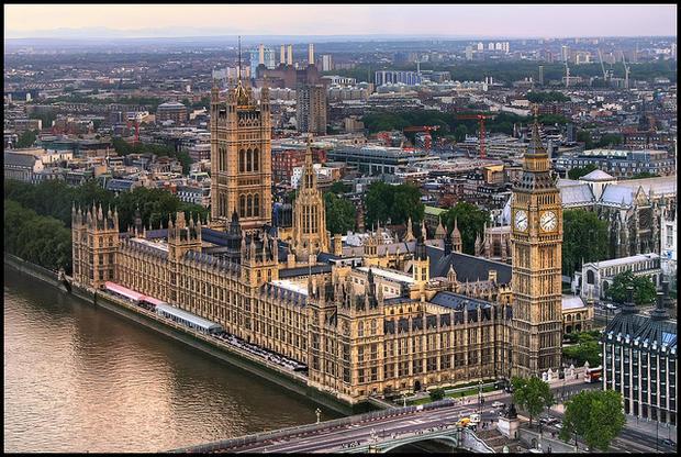 МИД Англии: выход из европейского союза растянется лет нашесть