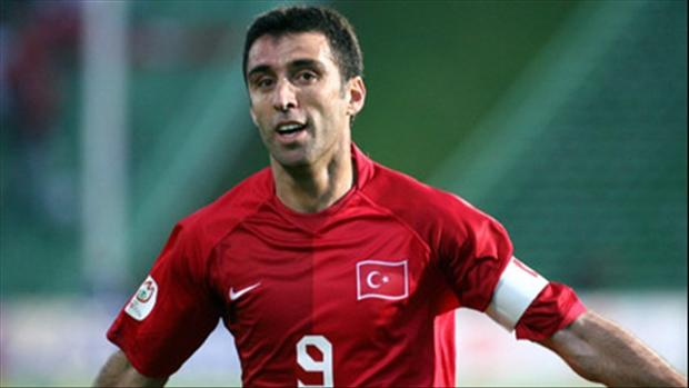 Турция выдала ордер наарест футболиста Хакана Шукюра
