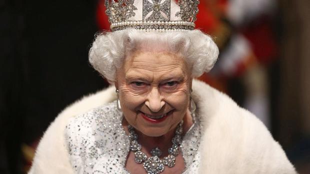 Китайский ученик  пытался уничтожить  королеву Англии  ЕлизаветуII