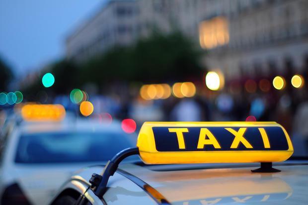 Милиция: ВХарькове нетрезвый военнослужащий стрелял изавтомата вавтомобиль такси