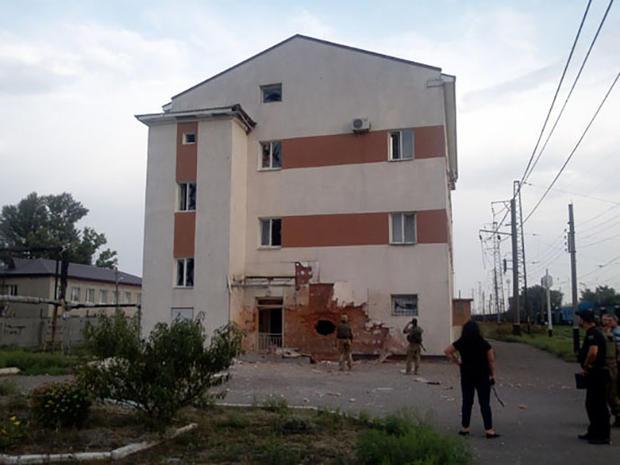 Снаряд продырявил сооружение жд-станции— Обстрел вАвдеевке