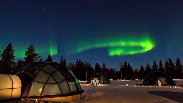 Финский отель ищет наблюдающего засеверным сиянием