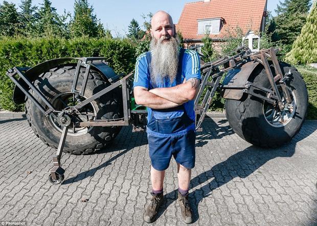 Наибольший вмире велосипед весит 940кг