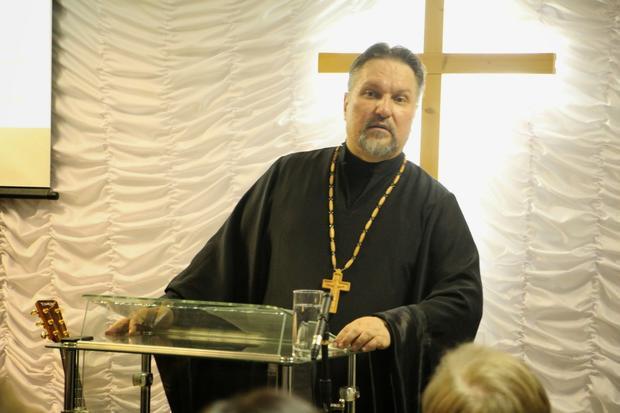 Суд оштрафовал архиепископа постатье из«пакета Яровой»