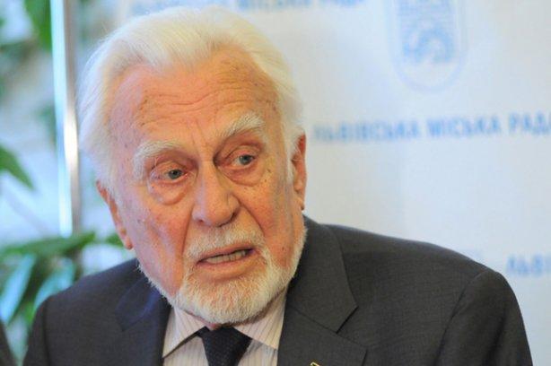 Скончался украинский писатель Роман Иванычук
