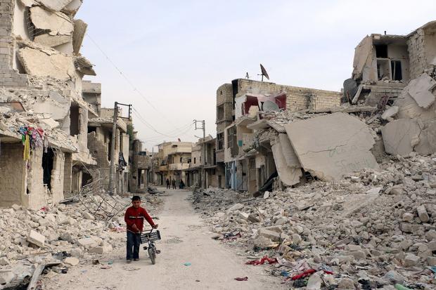 По основной клинике Алеппо нанесли авиаудар