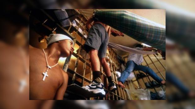 ВБразилии изтюрьмы убежали 200 заключенных— Два однотипных побега