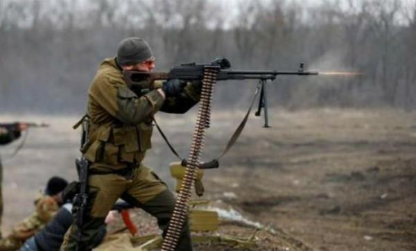 Стороны конфликта наДонбассе докладывают овзаимных обстрелах навсех направлениях