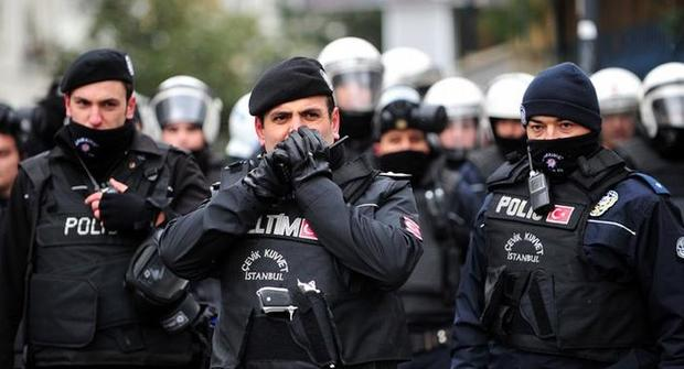 Власти Турции продлили режим ЧП, введенный после попытки госпереворота