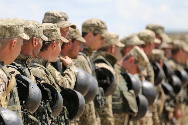 Полторак назвал количество русских военных наДонбассе